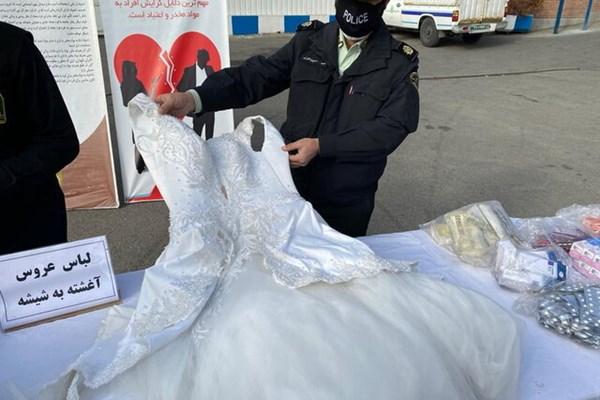اول فارسTV | ماجرای جالب توپ و لباس عروس پر از شیشه در تهران