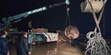فیلم|تلاش بدون وقفه سپاه برای تخلیه آب در بندر امام خمینی(ره)