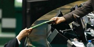 دولت بودجه را غیر واقعی بسته است/ اصلاح حوزه مالیات در بودجه