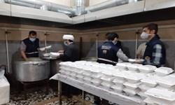توزیع یکهزار پرس غذا بین شهروندان درگیر با آبگرفتگی در اهواز