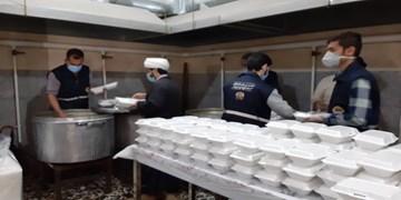 فیلم|توزیع غذای گرم در بین نیازمندان زرآباد