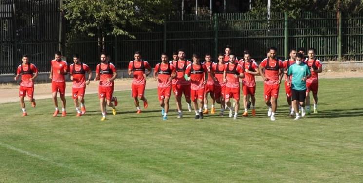 لغو اردوی تیم فوتبال ذوبآهن به دنبال افزایش بازیکنان کرونایی