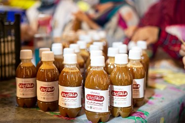 آب میوه های آماده شده توسط گروه جهادی بنیاد فضل شهیدان رستمی