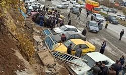 ریزش دیوار آرامستان بهشت محمدی سنندج خسارت جانی نداشت/12 خودرو خسارت دیدند