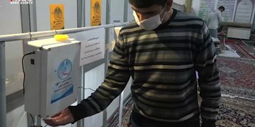 فیلم| تبدیل پایگاه بسیج به کارگاه ساخت دستگاه ضدعفونیکننده/جهادگران گروس پای ثابت مبارزه باکرونا