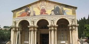 مسلمانان فلسطینی مانع آتش زدن کلیسا به دست یک صهیونیست شدند
