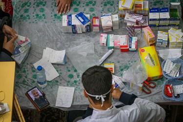 اهدا داروی رایگان به بیماران ویزیت شده توسط پزشکان  عمومی و متخصص