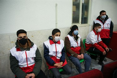 جوانان داوطلب حاضر در مراسم روز جهانی داوطلب در محله هرندی