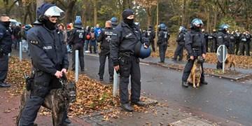حمله پلیس آلمان به تظاهراتکنندگان علیه محدودیتهای کرونایی