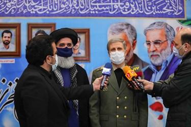 امیر حاتمی وزیر دفاع و پشتیبانی نیروهای مسلح در جمع خبرنگاران