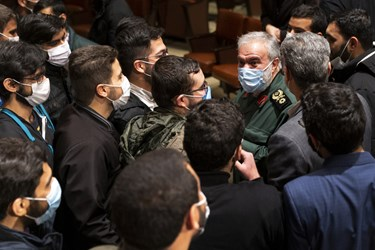 گفتوگوی سردار علی فدوی جانشین فرمانده کل سپاه با دانشجویان در پایان آیین بزرگداشت روز دانشجو در دانشگاه تهران