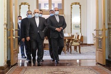 ورود محمد جواد ظریف  وزیر امور خارجه به محل دیدار وزیر امور خارجه سوریه