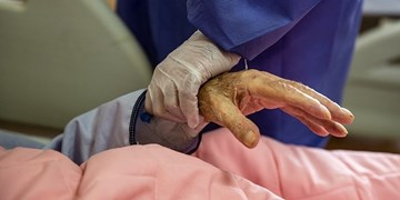 واکسینه شدن همه سالمندان مقیم در مراکز تحت نظارت  بهزیستی فارس تا بهار ۱۴۰۰