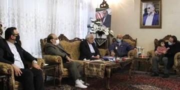دبیرکل، رئیس و اعضای شورای مرکزی حزب موتلفه اسلامی با خانواده «شهید فخریزاده» دیدار کردند