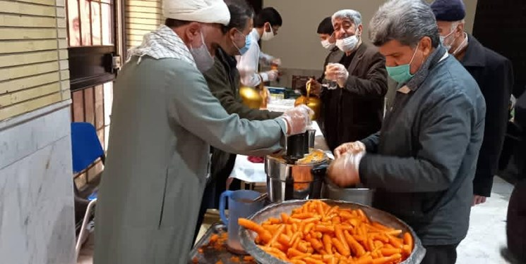 ۸ هزار بطری آبمیوه برای بیماران ۸ بیمارستان/ همه مسجدیها هستند؛ نه فقط جوانها