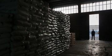 کشف ۵ تن مواد پلیمری احتکار شده در انبارهای ری