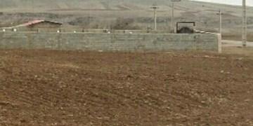فارس من| خریداران قولنامهای زمینهای اکبرآباد طرق از طریق مراجع قضایی اقدام کنند