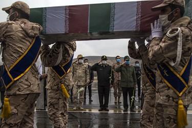 ورود پیکر مطهر چهار شهید گمنام دفاع مقدس به کردستان