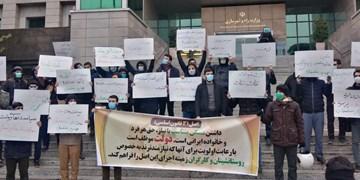 تجمع دانشجویان در اعتراض به نابسمانیهای بازار مسکن | انتقاد به عملکرد «عباس آخوندی»