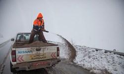 ممنوعیت تردد در مسیر رفت و برگشت آزادراه تهران-شمال و کندوان/برف و باران در جاده های 9 استان