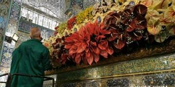 حرم حضرت زینب (س) گلآرایی شد/ تصاویری از سردار سلیمانی در حرم+عکس و فیلم