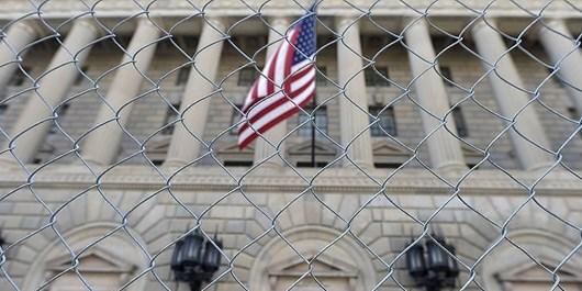 نظرسنجی: تنها 16 درصد آمریکاییها وضعیت دموکراسی کشور را خوب میدانند