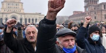 ادامه ناآرامی در ایروان؛ مخالفان پاشینیان اماکن دولتی را محاصره کردند