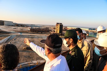 حضور سردار محمد بر روی عرشه نفتکش اقیانوس پیمای افراماکس