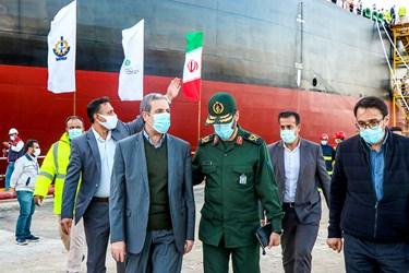 سردار سعید محمد فرمانده قرارگاه خاتم الانبیا و استاندار بوشهر در مراسم رونمایی از نفتکش اقیانوسپیمای ساخت ایران