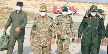 بازدید فرمانده نیروی دریایی سپاه از جزایر تنب بزرگ و تنب کوچک/ اوج آمادگی برای دفاع از مرزهای آبی و امنیت کشور+عکس