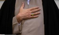 اهدای انگشتر نمادین شهید حاج قاسم سلیمانی به موزه شاهچراغ(ع)