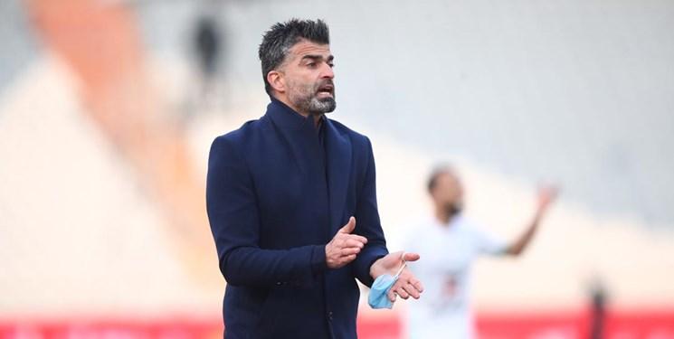 بابایی: آقای رضایی، نمیدانستی توپ فوتبال چیست کربکندی در جام جهانی بود/ با یک عذرخواهی و خداحافظی توهینت را جبران کن