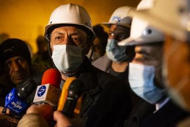 حضور پرویز فتاح رئیس بنیاد مستضعفان  در جمع خبرنگاران