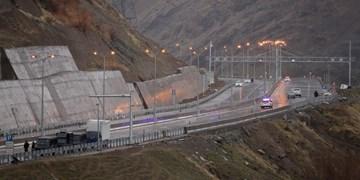 ممنوعیت تردد در آزادراه تهران-شمال و محور کندوان/ ترافیک در آزادراه تهران-کرج