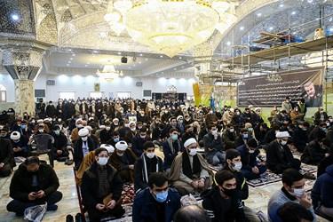 شرکتکنندگان در آیین تشییع آیتالله مصباحیزدی در حرم حضرت عبدالعظیم(ع)