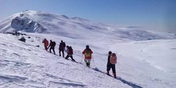 کوهنوردان ارتش به ارتفاعات زاگرس صعود کردند
