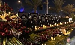 شب زنده داری عزاداران شهادت سلیمانی و ابومهدی در مسیر فرودگاه بغداد