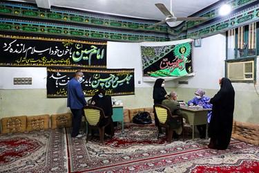 ویزیت پزشک عمومی، یکی از خدمات گروه جهادی پزشکی شهید کاظمی آشتیانی ست.