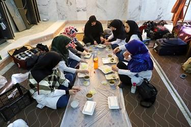 آخرین محل اقامت گروه در خوابگاه دبیرستان شبانه روزی در شهر بوشکان استان بوشهر است. بعد از صرف ناهار اعضای گروه به سمت بوشهر رفته تا پس از 5 روز خدمت رسانی، به تهران بازگردند.