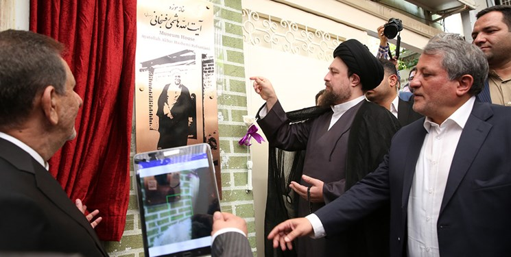 پشت نقاب اصلاحات/ زیباکلام از اظهارات فائزه هاشمی حمایت کرد!