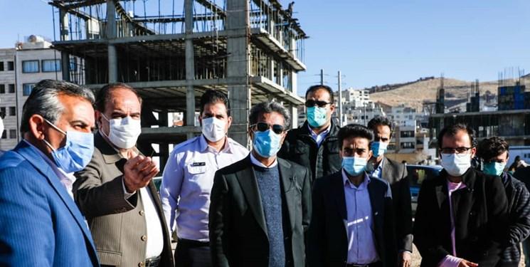 فارس من| پیگیری نتیجهبخش؛ با پیگیری خبرگزاری فارس، شهردار شیراز پای درد دل مردم آرین نشست
