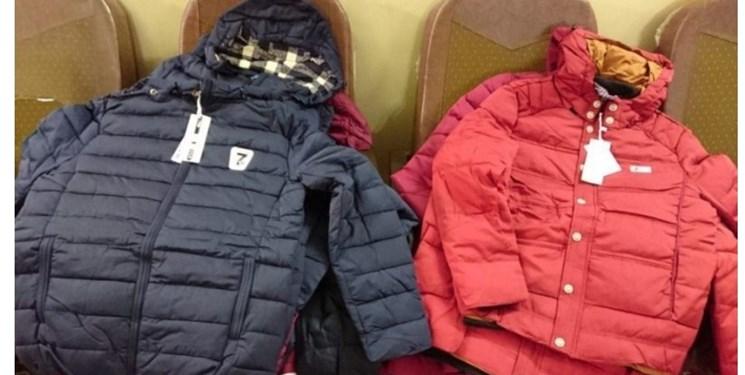 توزیع ۴۰ بسته لباس گرم میان دانشآموزان نیازمند دیناران