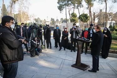 محمود واعظی رییس دفتر رییسجمهور پس از پایان جلسه هیأت دولت در جمع خبرنگاران / ۲۴ دی ۹۹