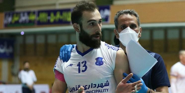 لیگ برتر والیبال| حسینآبادی: برخی اشتباهات ضربههای بدی به تیمها میزند