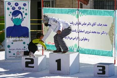 مراسم اهدای مدال در مسابقات بینالمللی اسنوبرد جانبازان و معلولین