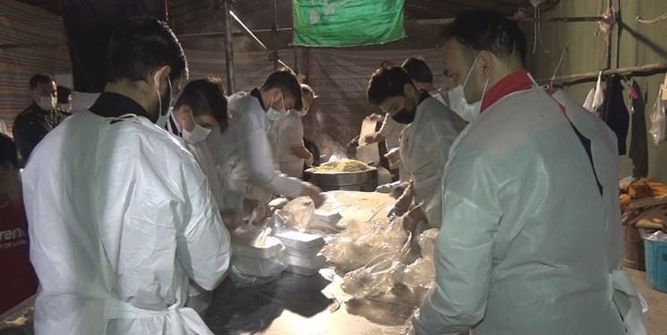 طرح اطعام فاطمی| توزیع ۸۰۰۰ پرس غذای گرم میان نیازمندان پارسآبادی