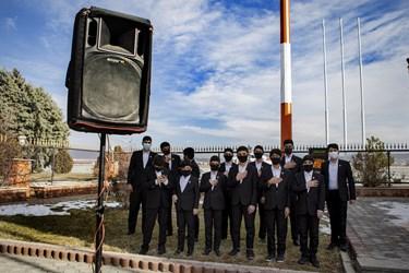 حضور گروه سرود ندای بشارت در مراسم استقبال از 4 شهید گمنام