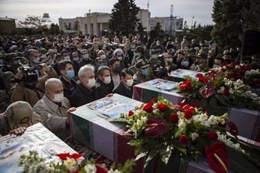 ادای احترام  استاندار آذربایجان شرقی  به 4 شهید گمنام دفاع مقدس