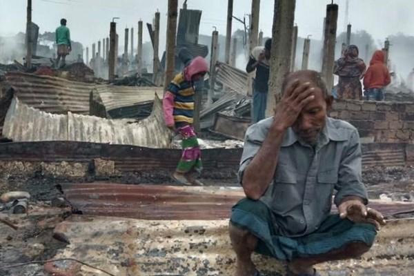 13991025000616 Test PhotoL » مجله اینترنتی کوشا » تصاویر  مسلمانان روهینگیا آوارهتر شدند؛ سوختن اردوگاه هزاران پناهنده در بنگلادش 9