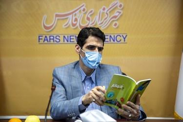 مالک شریعتی سخنگوی کمیسیون انرژی در مجلس شورای اسلامی در آیین رونمایی از کتاب اتوگاز